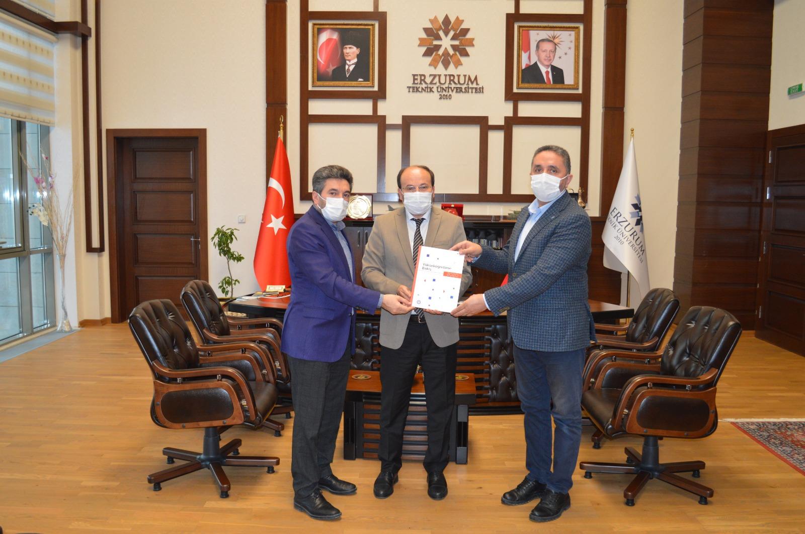 Yükseköğretime Bakış 2020 Raporunu Rektör Prof Dr Bülent Çakmak